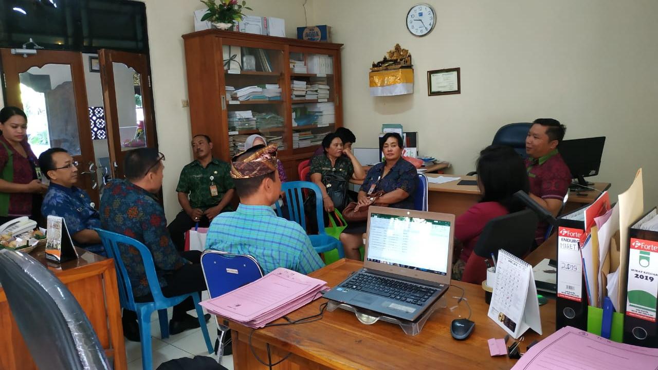 Monev  (Monitoring & Evaluasi) Pengelolaan Keuangan dari DPMD di Desa Padangsambian Kaja
